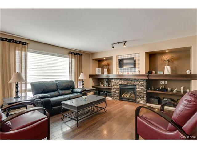 Photo 4: Photos: 151 St Moritz Road in Winnipeg: All Season Estates Residential for sale (3H)  : MLS®# 1704693