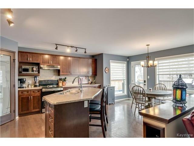 Photo 5: Photos: 151 St Moritz Road in Winnipeg: All Season Estates Residential for sale (3H)  : MLS®# 1704693