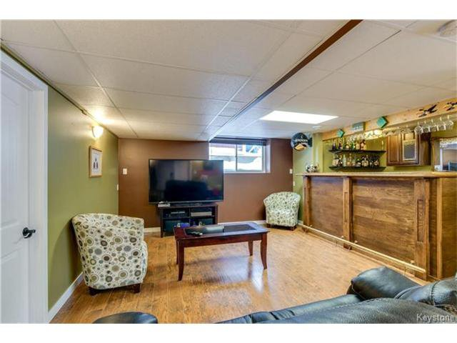 Photo 14: Photos: 151 St Moritz Road in Winnipeg: All Season Estates Residential for sale (3H)  : MLS®# 1704693