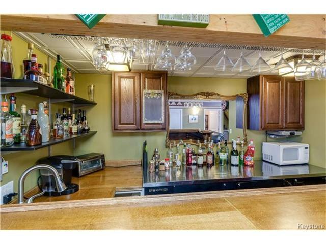 Photo 16: Photos: 151 St Moritz Road in Winnipeg: All Season Estates Residential for sale (3H)  : MLS®# 1704693