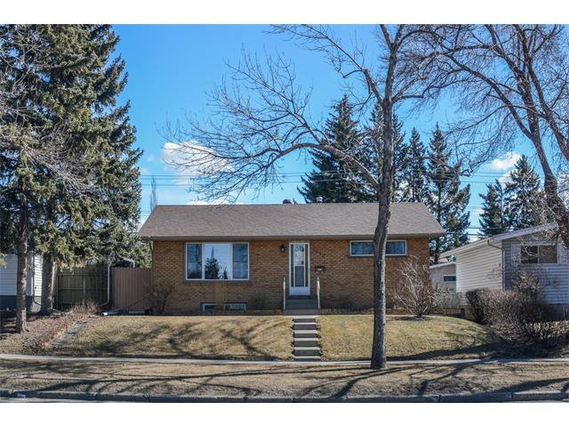 Main Photo: 1032 19 Street NE in Calgary: Mayland Heights House for sale : MLS®# C4107497