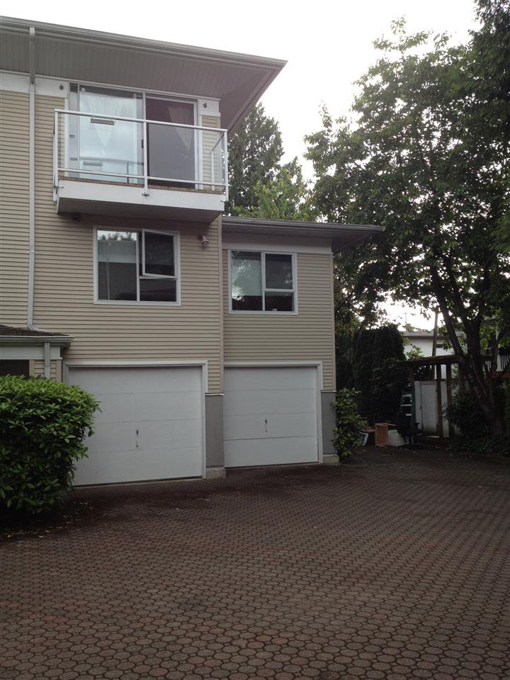"""Main Photo: 2 1570 E 22ND Avenue in Vancouver: Knight Townhouse for sale in """"FLEMING LANE"""" (Vancouver East)  : MLS®# R2174004"""