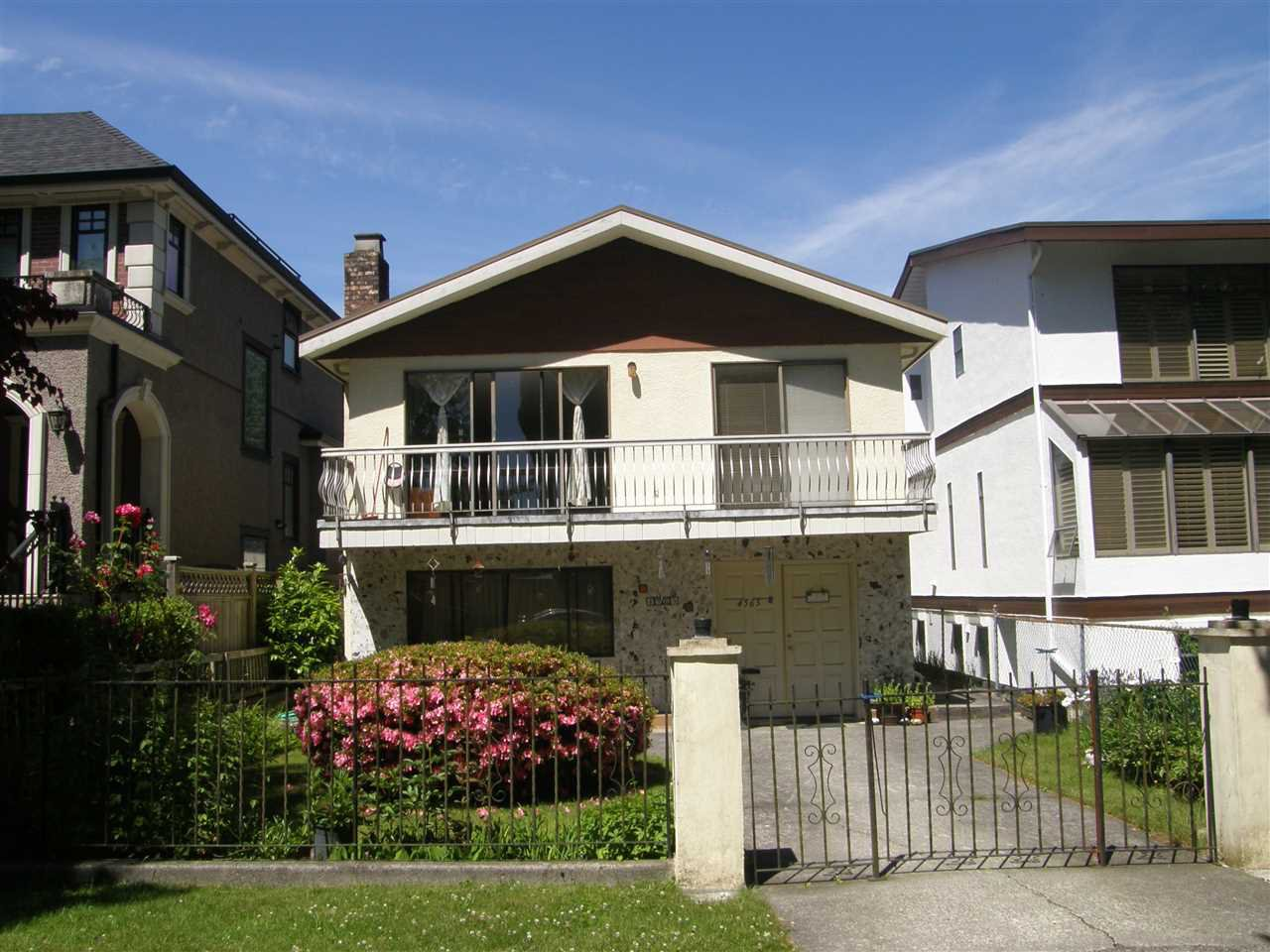 "Main Photo: 4565 W 9TH Avenue in Vancouver: Point Grey House for sale in ""UNIVERSITY DISTRICT"" (Vancouver West)  : MLS®# R2186303"
