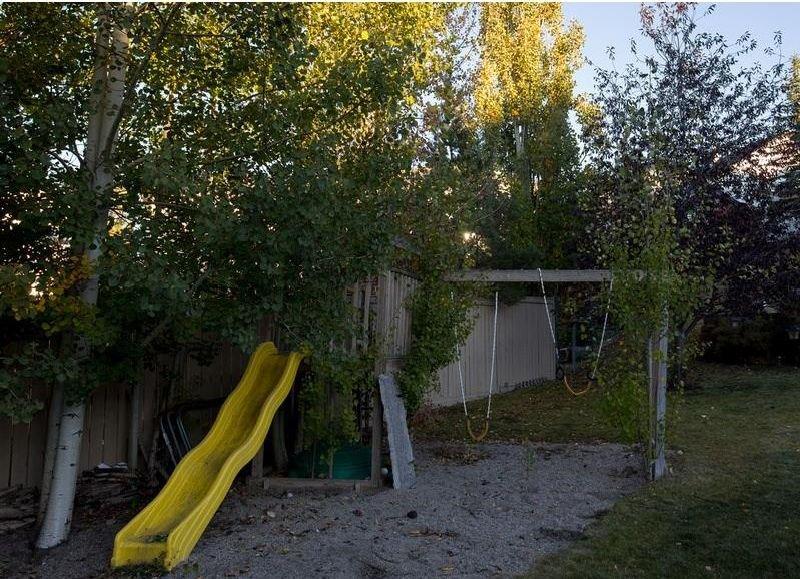 Photo 42: Photos: 229 EDGEBROOK Grove NW in Calgary: Edgemont House for sale : MLS®# C4141318
