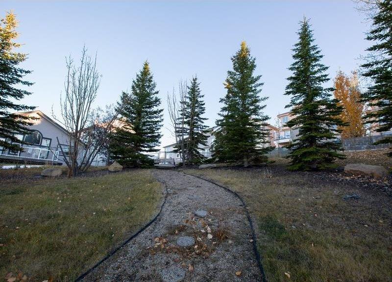 Photo 34: Photos: 229 EDGEBROOK Grove NW in Calgary: Edgemont House for sale : MLS®# C4141318