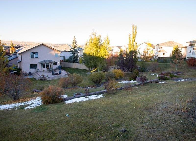 Photo 35: Photos: 229 EDGEBROOK Grove NW in Calgary: Edgemont House for sale : MLS®# C4141318