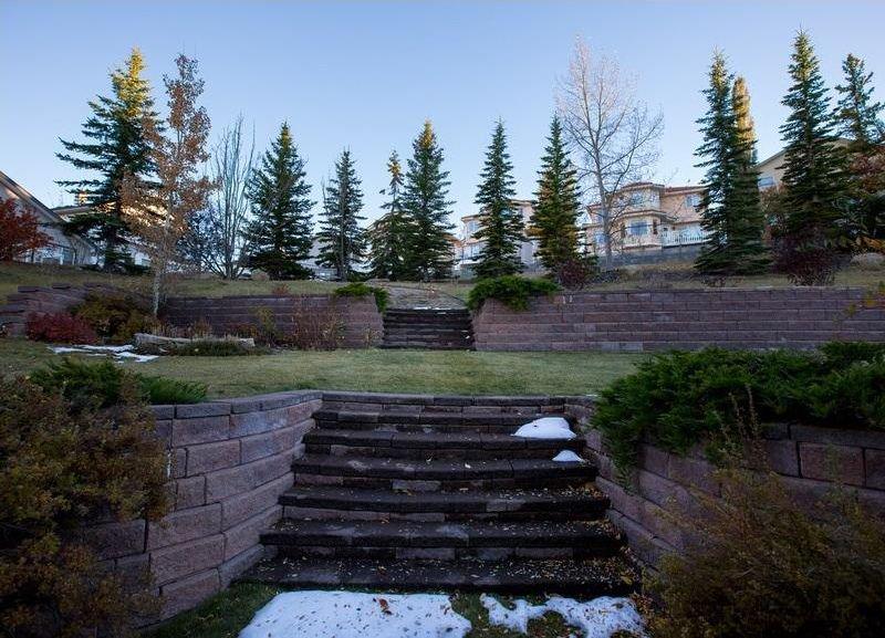 Photo 37: Photos: 229 EDGEBROOK Grove NW in Calgary: Edgemont House for sale : MLS®# C4141318