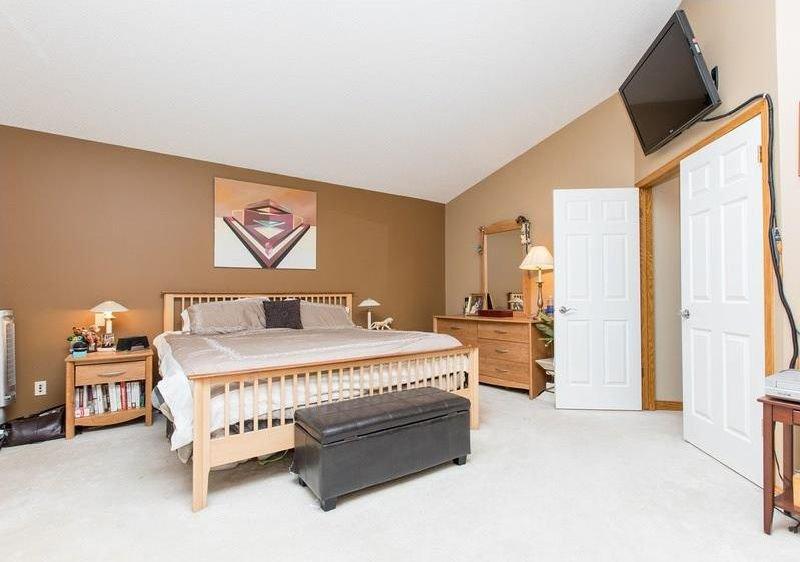Photo 20: Photos: 229 EDGEBROOK Grove NW in Calgary: Edgemont House for sale : MLS®# C4141318