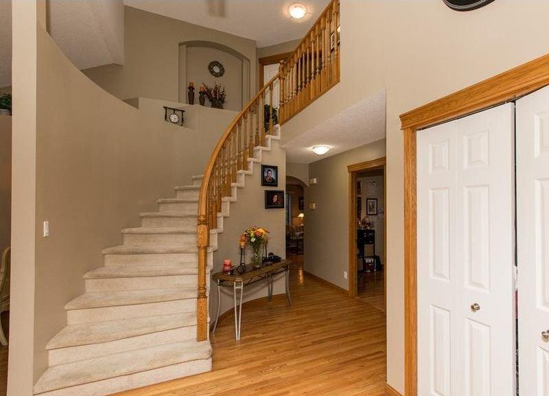 Photo 2: Photos: 229 EDGEBROOK Grove NW in Calgary: Edgemont House for sale : MLS®# C4141318