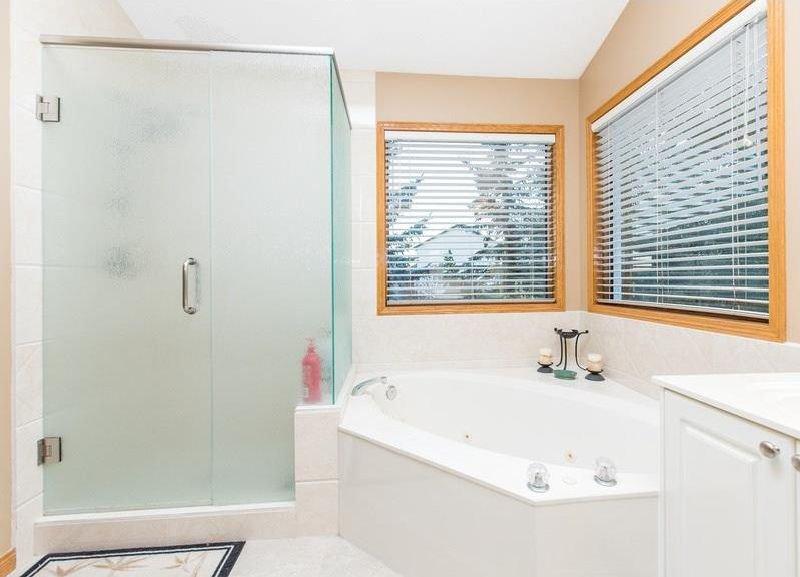 Photo 22: Photos: 229 EDGEBROOK Grove NW in Calgary: Edgemont House for sale : MLS®# C4141318