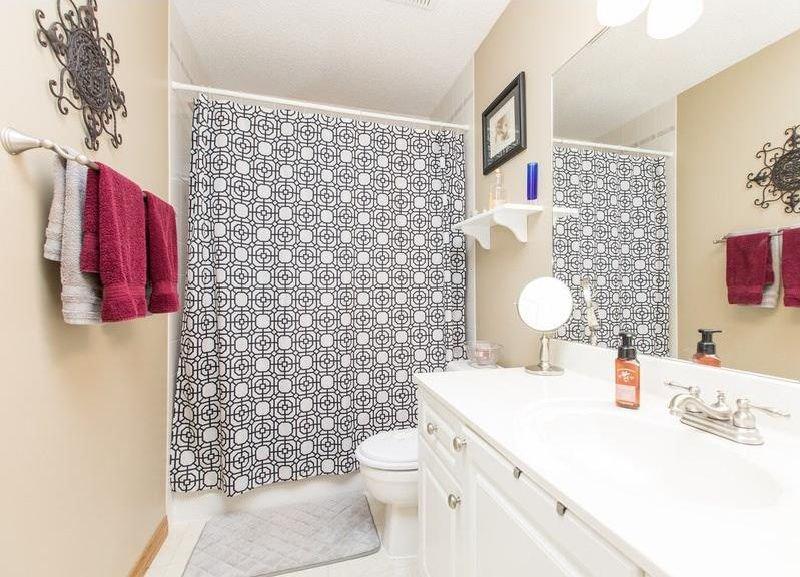 Photo 26: Photos: 229 EDGEBROOK Grove NW in Calgary: Edgemont House for sale : MLS®# C4141318