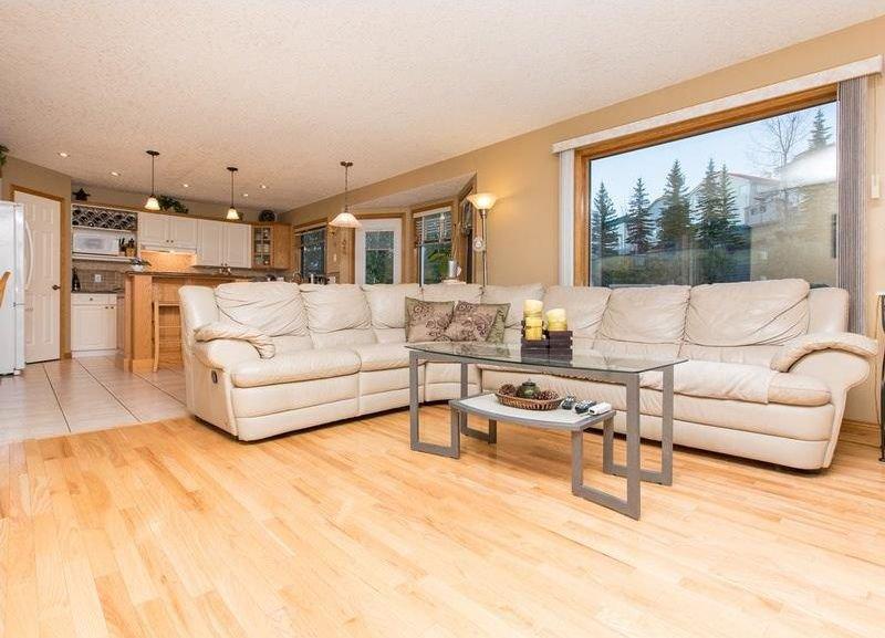 Photo 14: Photos: 229 EDGEBROOK Grove NW in Calgary: Edgemont House for sale : MLS®# C4141318