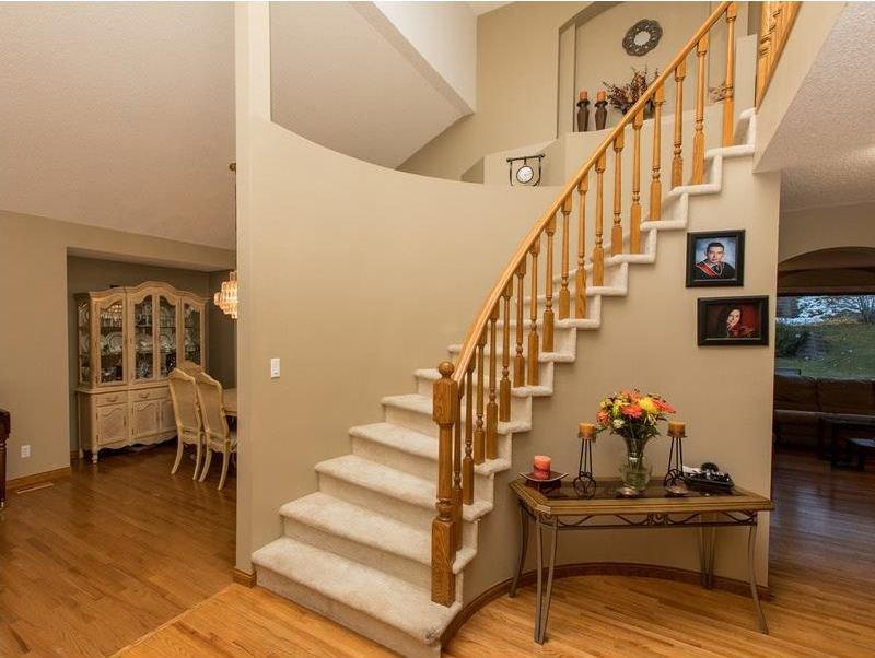 Photo 3: Photos: 229 EDGEBROOK Grove NW in Calgary: Edgemont House for sale : MLS®# C4141318