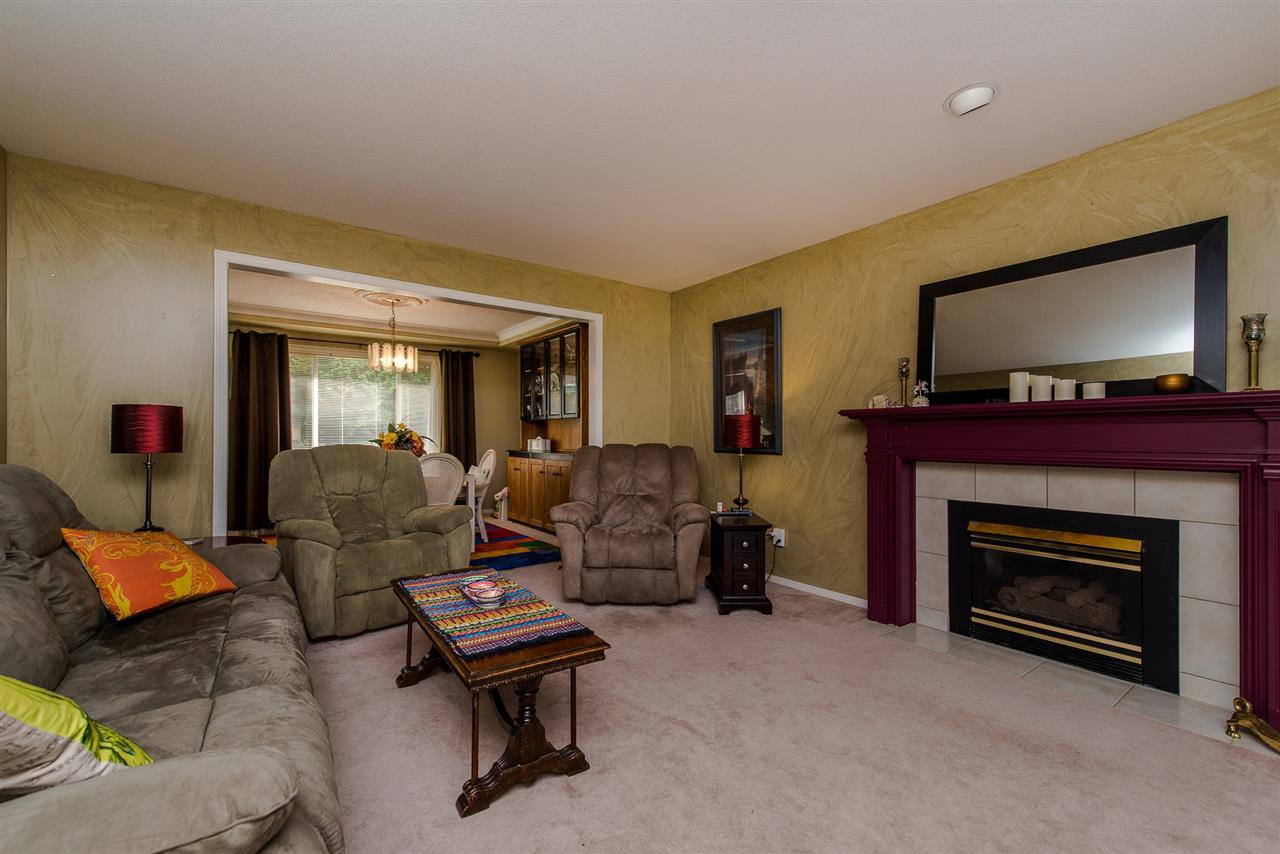 Photo 8: Photos: 3062 CASSIAR Avenue in Abbotsford: Abbotsford East House for sale : MLS®# R2250869