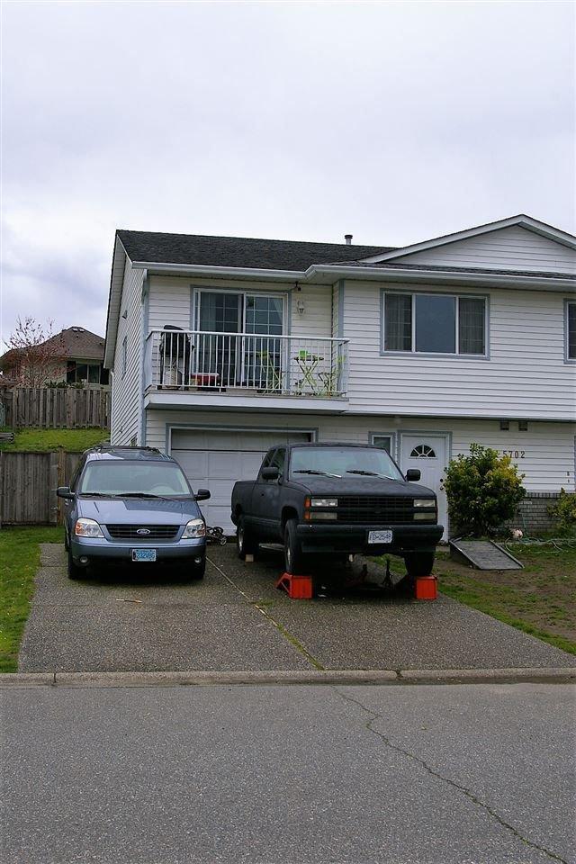 Main Photo: A 5702 KATHLEEN Drive in Chilliwack: Vedder S Watson-Promontory 1/2 Duplex for sale (Sardis)  : MLS®# R2256625