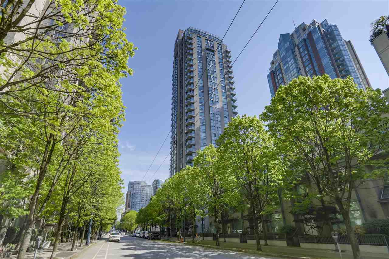 "Main Photo: 206 928 RICHARDS Street in Vancouver: Yaletown Condo for sale in ""SAVOY"" (Vancouver West)  : MLS®# R2265087"