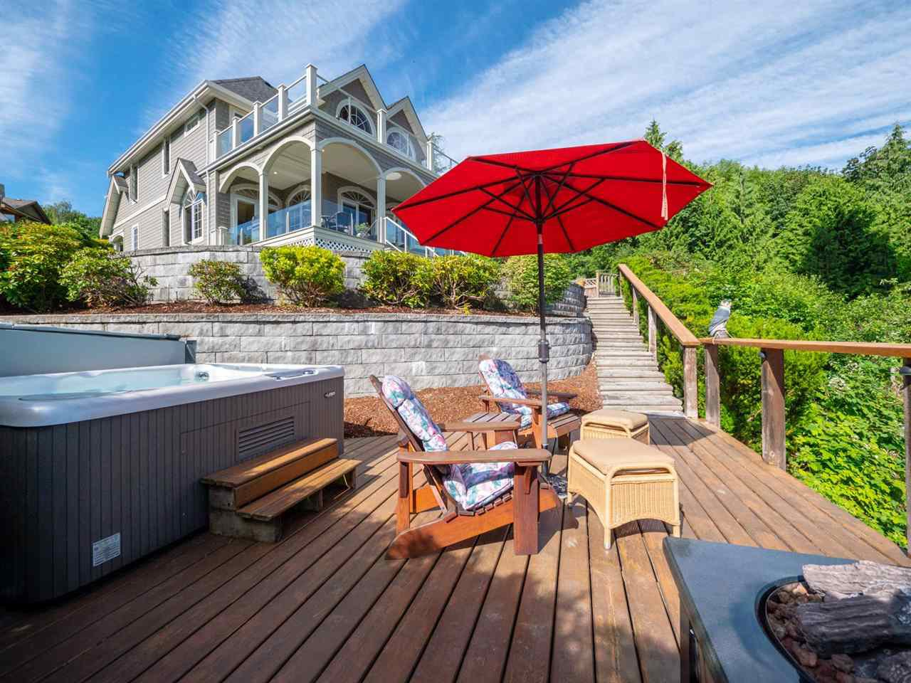 Main Photo: 6560 NORTH GALE Avenue in Sechelt: Sechelt District House for sale (Sunshine Coast)  : MLS®# R2281146