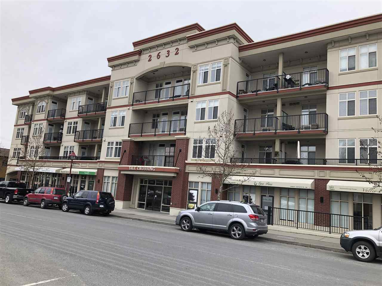 "Main Photo: 206 2632 PAULINE Street in Abbotsford: Central Abbotsford Condo for sale in ""Yale Crossing"" : MLS®# R2345124"