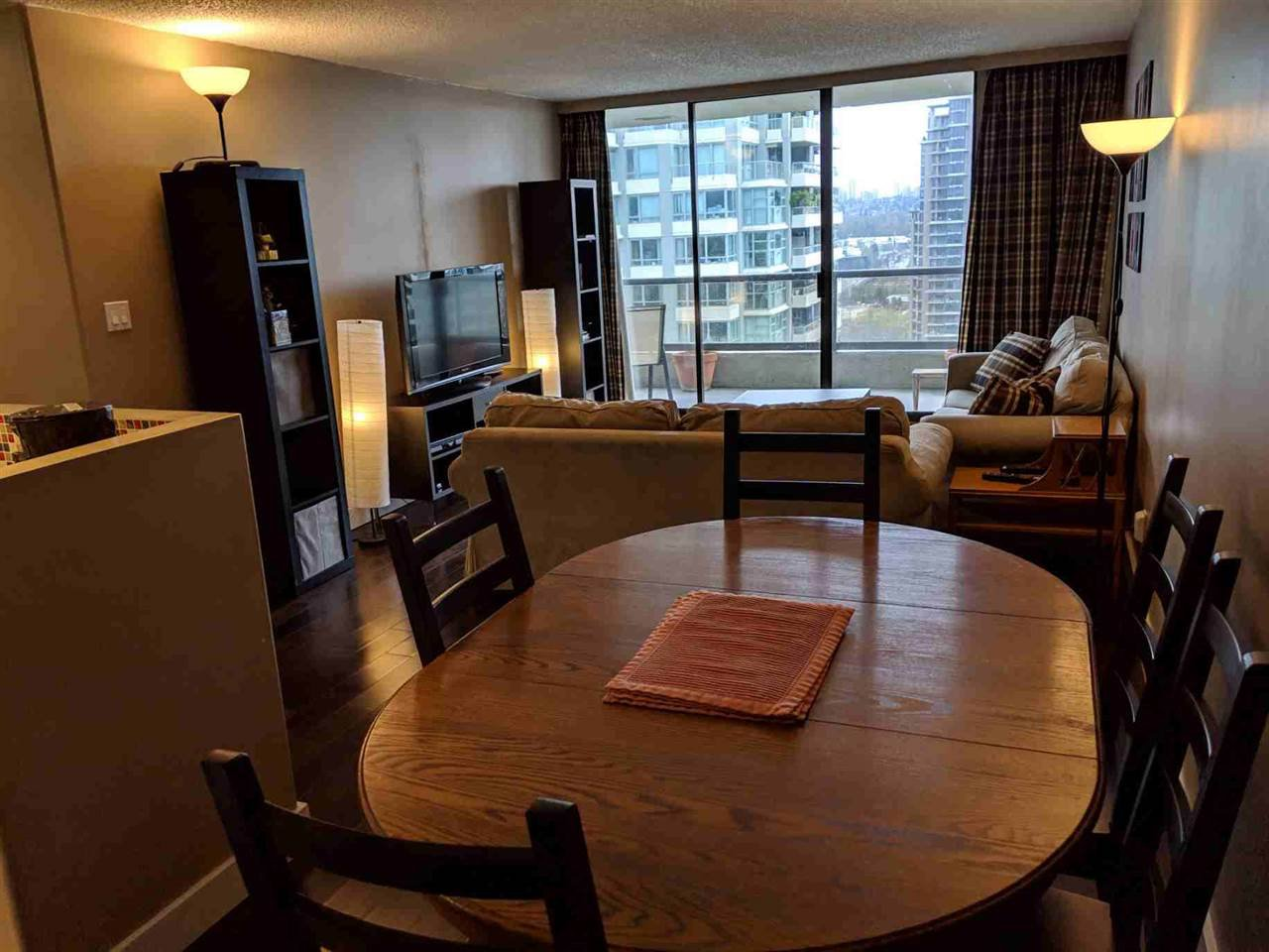 """Photo 7: Photos: 2206 4353 HALIFAX Street in Burnaby: Brentwood Park Condo for sale in """"BRENTWOOD GARDENS"""" (Burnaby North)  : MLS®# R2358209"""