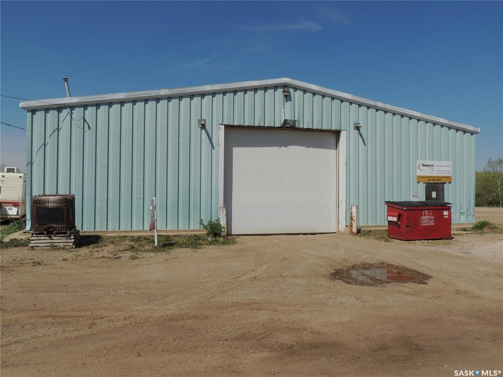 Main Photo: 902 Queen Street in Estevan: Hillside Commercial for sale : MLS®# SK767659