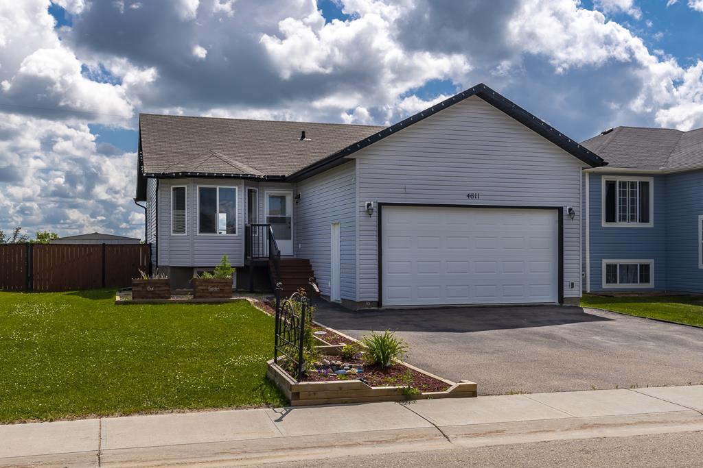 Main Photo: 4611 62 Avenue: Cold Lake House for sale : MLS®# E4156600