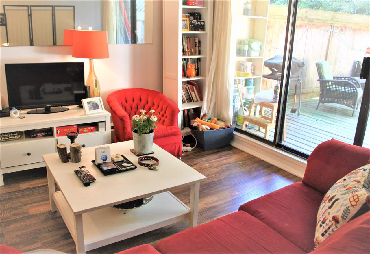 """Main Photo: 109 2255 W 8TH Avenue in Vancouver: Kitsilano Condo for sale in """"WEST WIND"""" (Vancouver West)  : MLS®# R2370429"""
