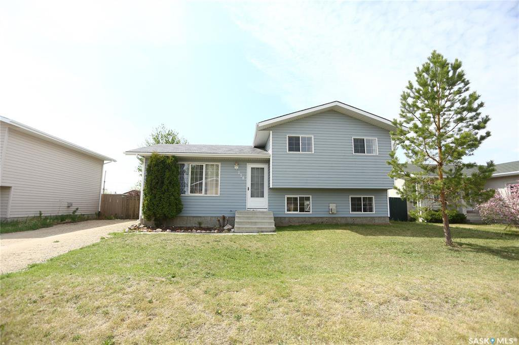 Main Photo: 110 4th Street in Dundurn: Residential for sale : MLS®# SK773167