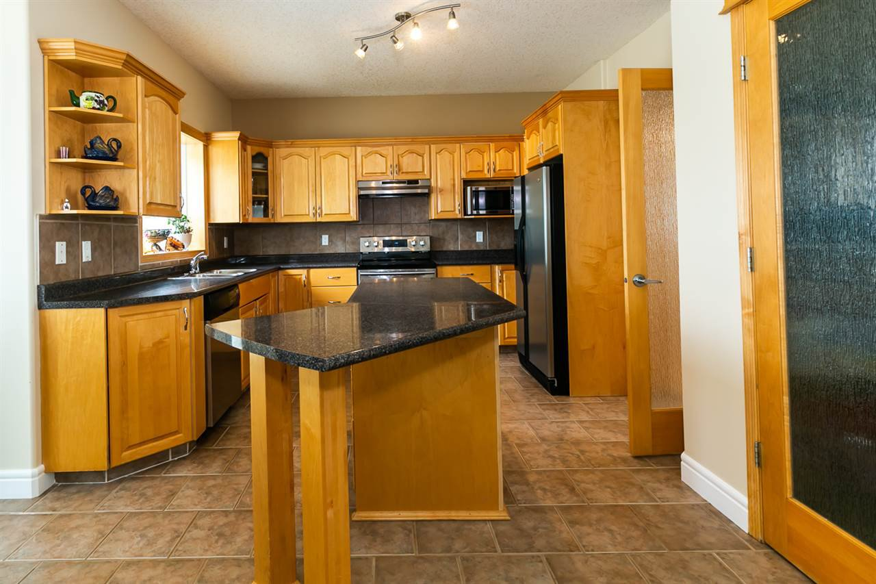 Main Photo: 3322 30 Avenue in Edmonton: Zone 30 House for sale : MLS®# E4164751