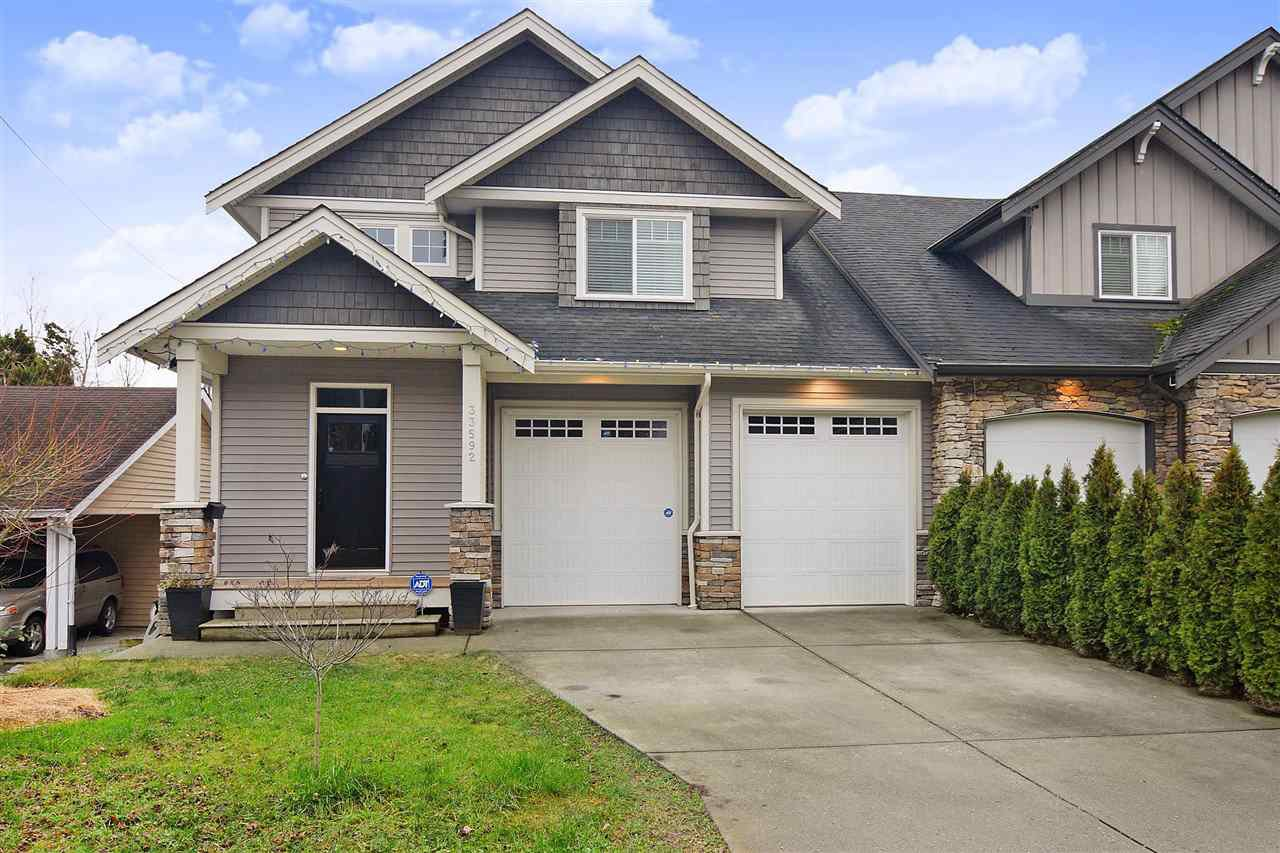 Main Photo: 33592 2ND Avenue in Mission: Mission BC House 1/2 Duplex for sale : MLS®# R2431851