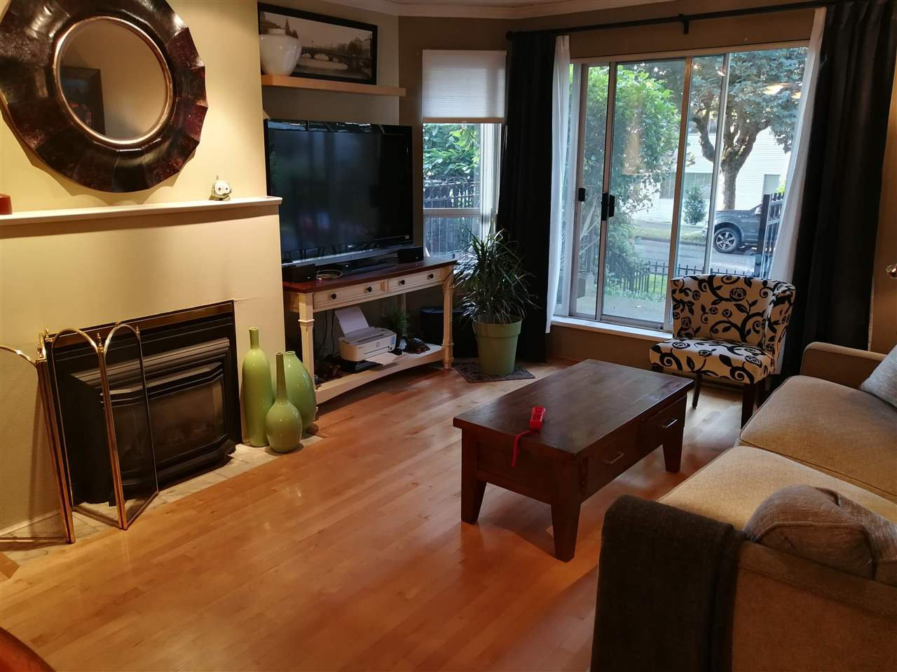 Main Photo: 102 1988 MAPLE Street in Vancouver: Kitsilano Condo for sale (Vancouver West)  : MLS®# R2472334