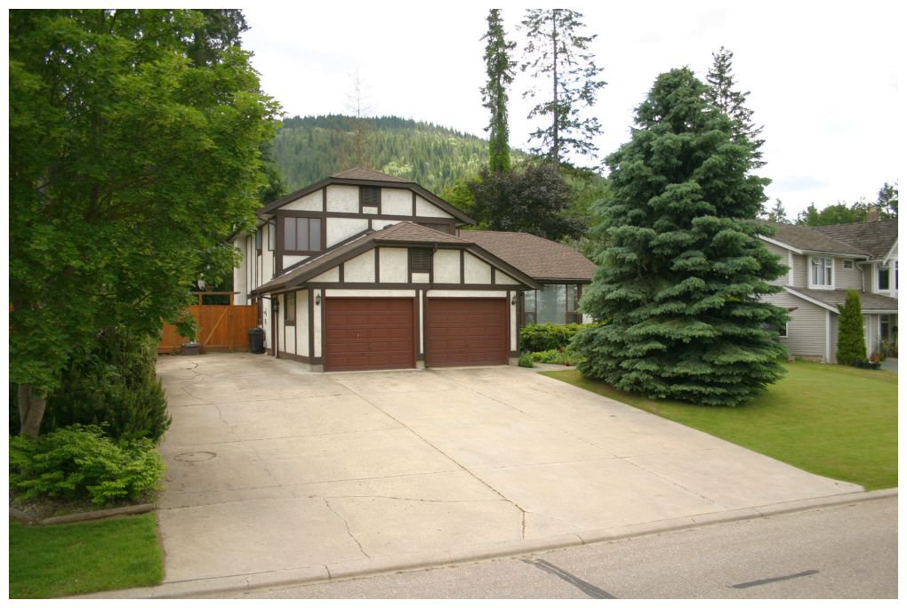 Main Photo: 1870 Southeast 18 Avenue in Salmon Arm: Richmond Hill House for sale : MLS®# 10066522