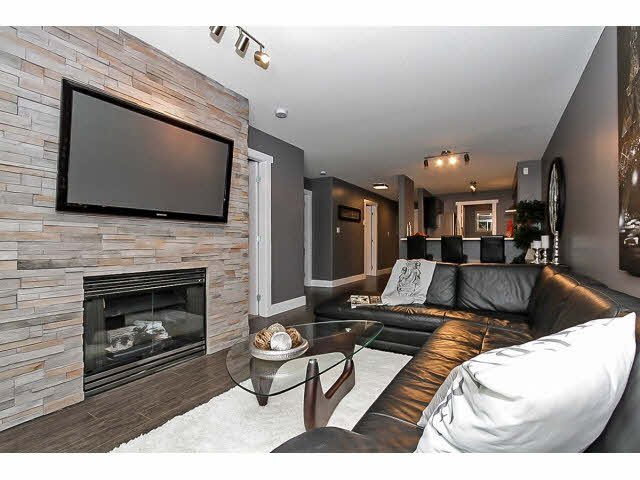 "Photo 10: Photos: 217 22022 49TH Avenue in Langley: Murrayville Condo for sale in ""MURRAY GREEN"" : MLS®# F1415489"