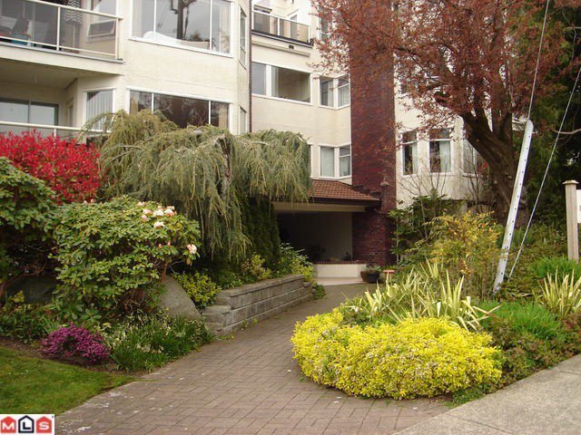 Main Photo: # 304 1225 MERKLIN ST in : White Rock Condo for sale : MLS®# F1225427