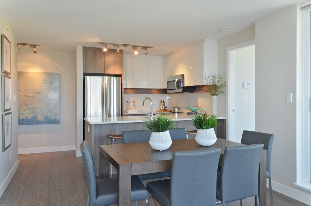 "Photo 4: Photos: 1707 958 RIDGEWAY Avenue in Coquitlam: Central Coquitlam Condo for sale in ""THE AUSTIN"" : MLS®# R2042733"