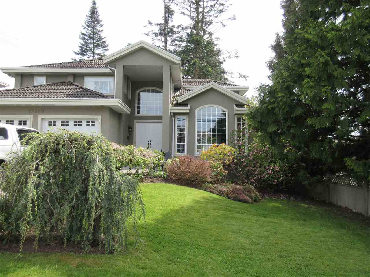Main Photo: 16368 10 Avenue in Surrey: King George Corridor House for sale (South Surrey White Rock)  : MLS®# R2164325