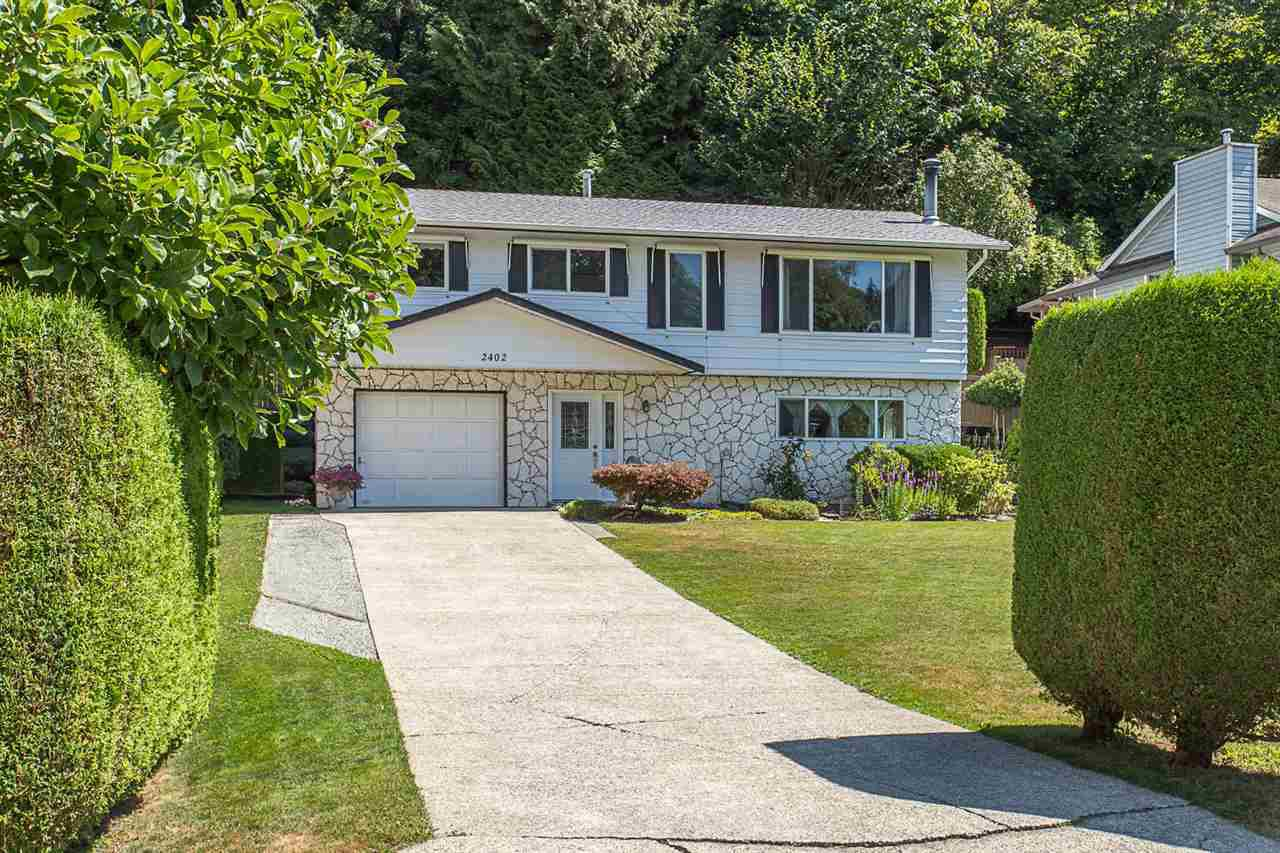 Main Photo: 2402 CAMERON Crescent in Abbotsford: Abbotsford East House for sale : MLS®# R2191988