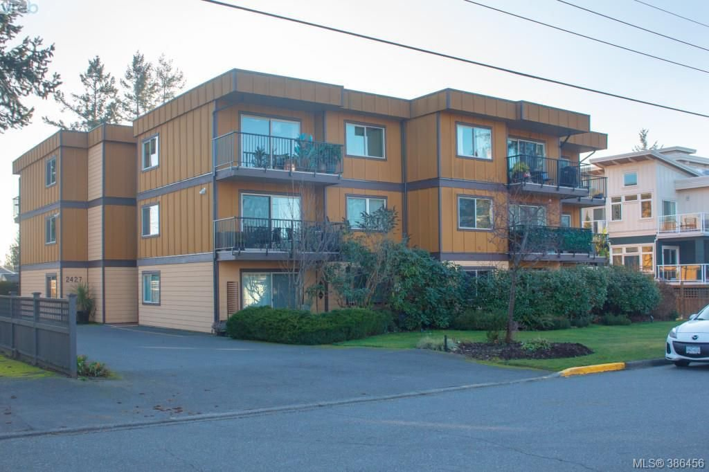 Main Photo: 103 2427 Amherst Avenue in SIDNEY: Si Sidney North-East Condo Apartment for sale (Sidney)  : MLS®# 386456