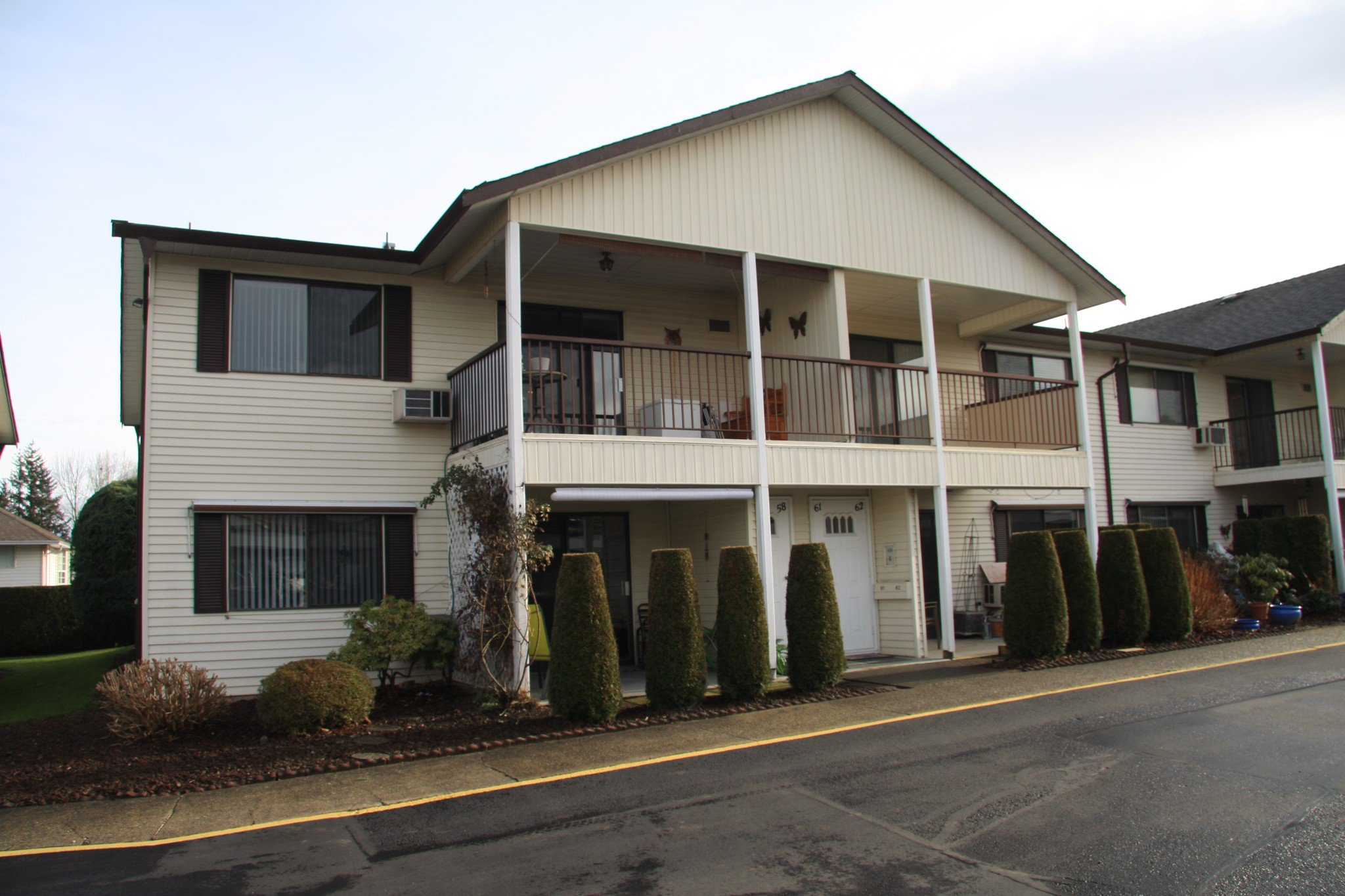Main Photo: 57 32959 George Ferguson Way in Abbotsford: Townhouse for sale