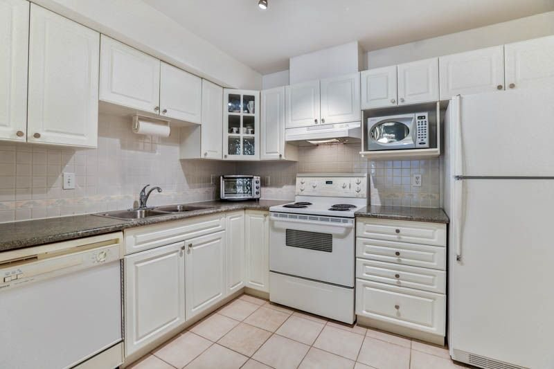 """Photo 6: Photos: 9 7128 18TH Avenue in Burnaby: Edmonds BE Townhouse for sale in """"Winston Gate"""" (Burnaby East)  : MLS®# R2243682"""