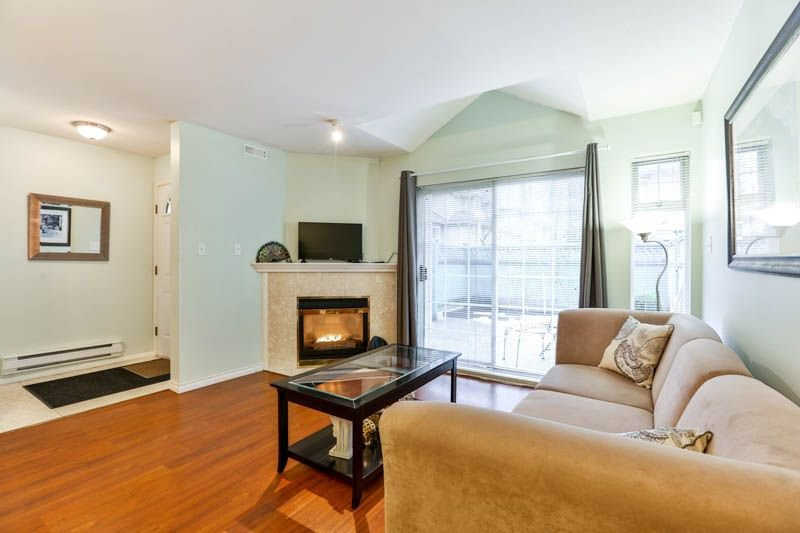 """Photo 4: Photos: 9 7128 18TH Avenue in Burnaby: Edmonds BE Townhouse for sale in """"Winston Gate"""" (Burnaby East)  : MLS®# R2243682"""