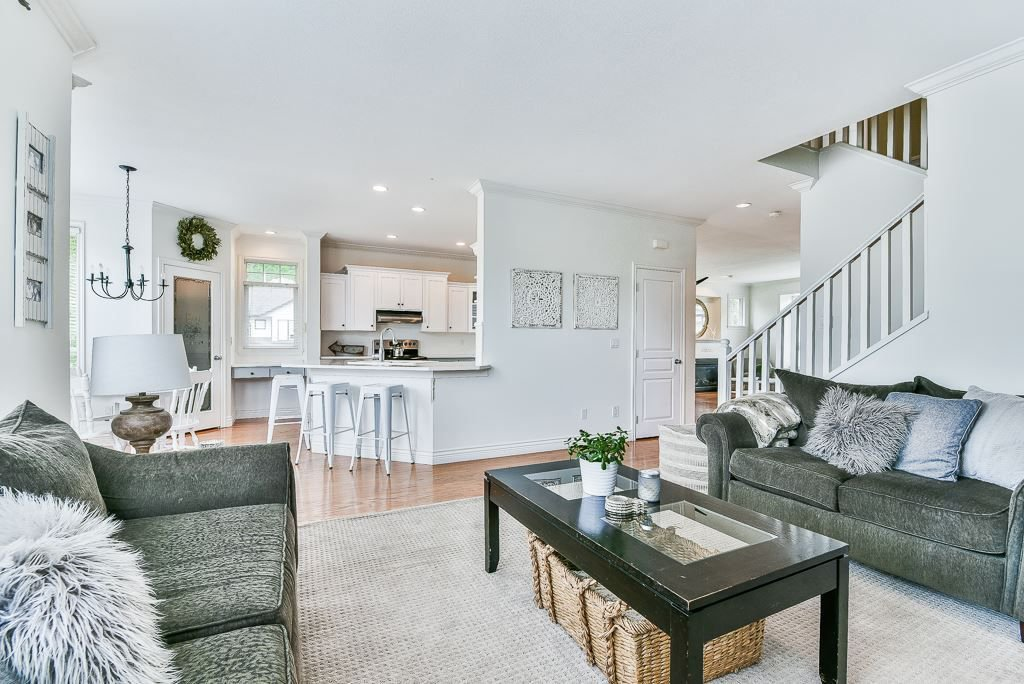 """Photo 8: Photos: 35725 LEDGEVIEW Drive in Abbotsford: Abbotsford East House for sale in """"LEDGEVIEW ESTATES"""" : MLS®# R2285057"""