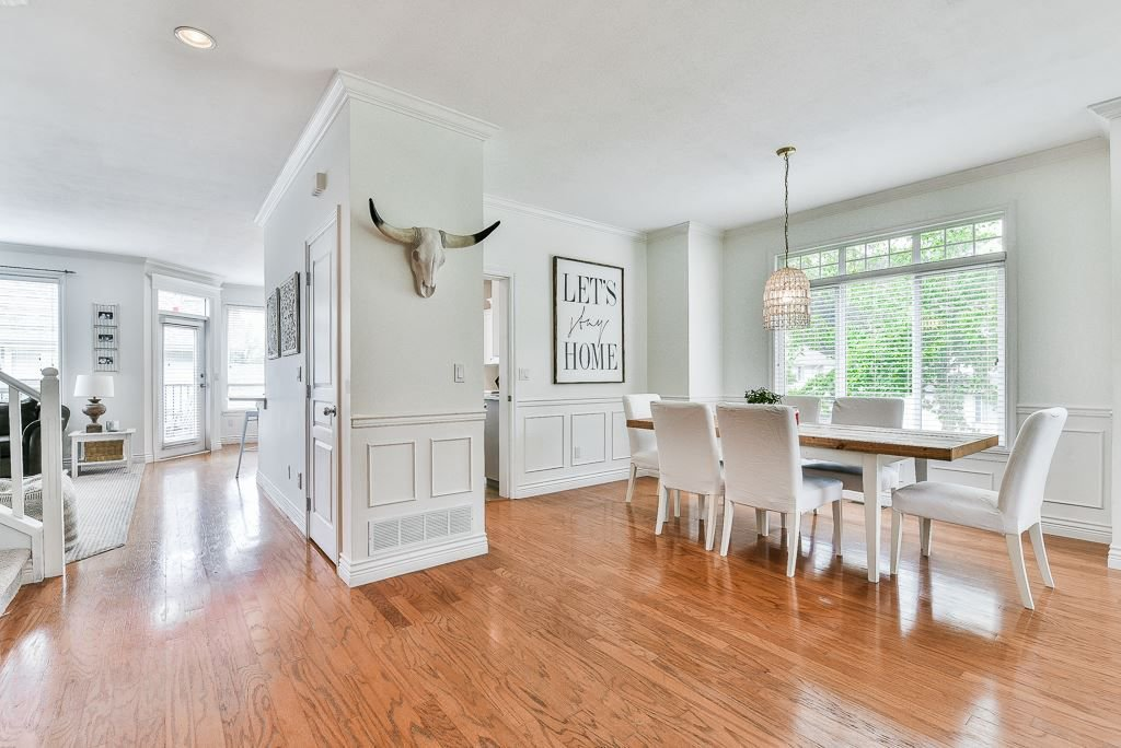 """Photo 3: Photos: 35725 LEDGEVIEW Drive in Abbotsford: Abbotsford East House for sale in """"LEDGEVIEW ESTATES"""" : MLS®# R2285057"""