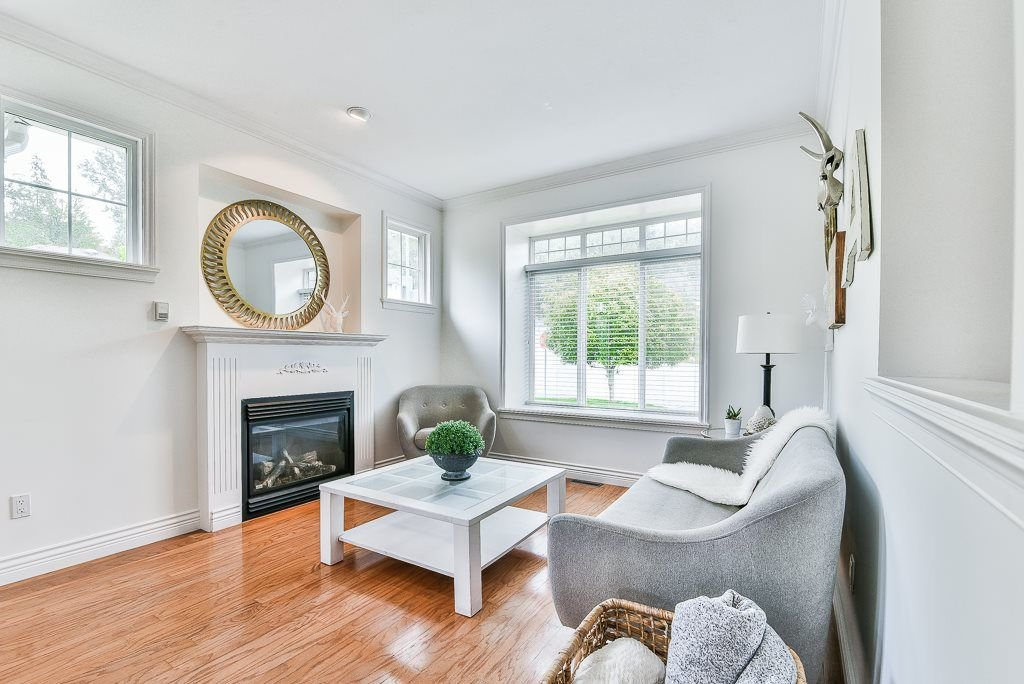 """Photo 4: Photos: 35725 LEDGEVIEW Drive in Abbotsford: Abbotsford East House for sale in """"LEDGEVIEW ESTATES"""" : MLS®# R2285057"""