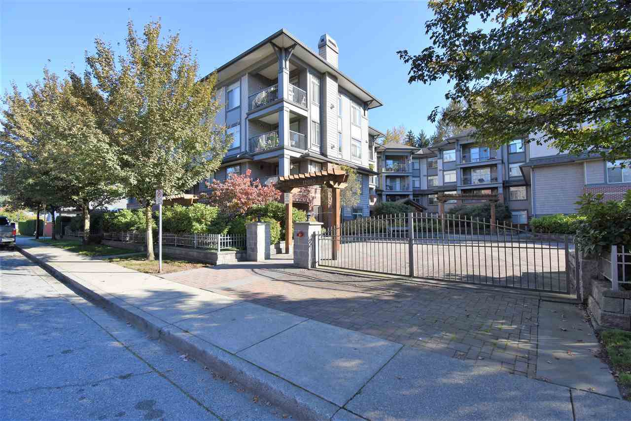 "Main Photo: 311 12020 207A Street in Maple Ridge: Northwest Maple Ridge Condo for sale in ""WESTBROOKE"" : MLS®# R2316076"