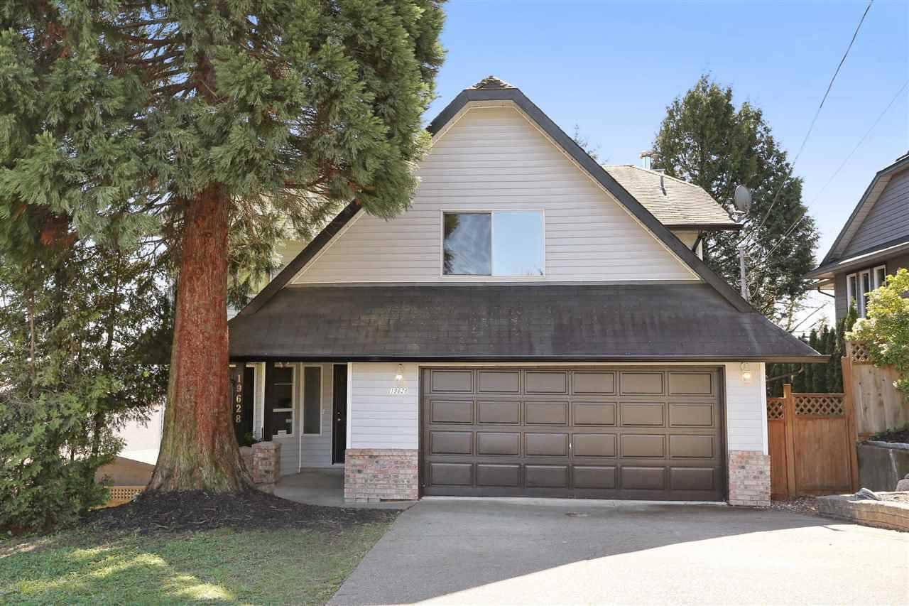 Main Photo: 19628 68 Avenue in Langley: Willoughby Heights House for sale : MLS®# R2327312