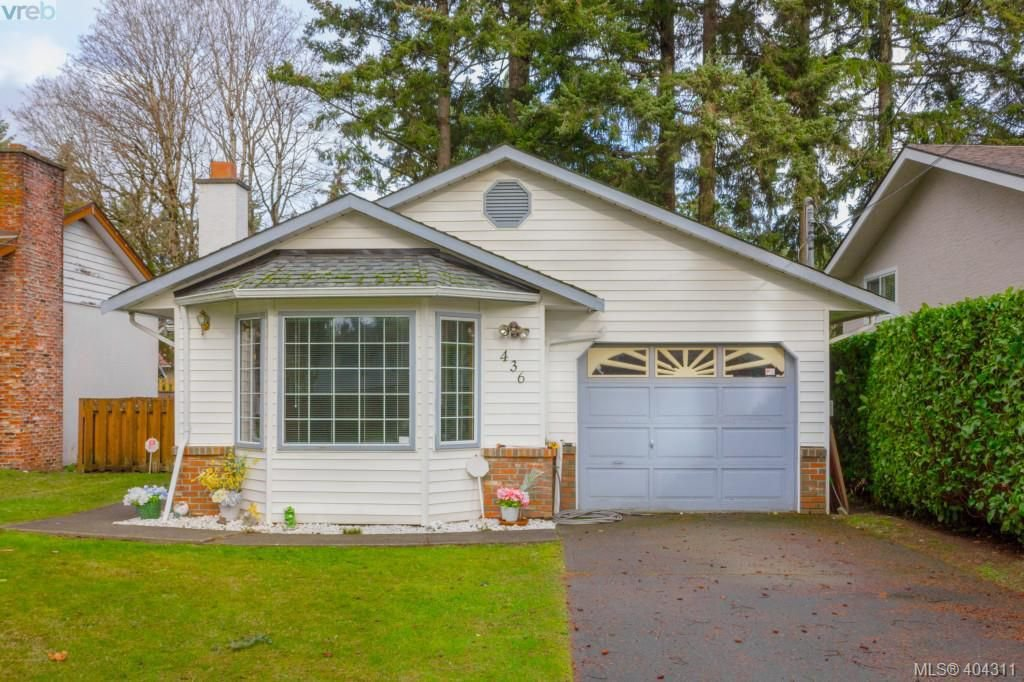 Main Photo: 436 Tipton Avenue in VICTORIA: Co Wishart South Single Family Detached for sale (Colwood)  : MLS®# 404311