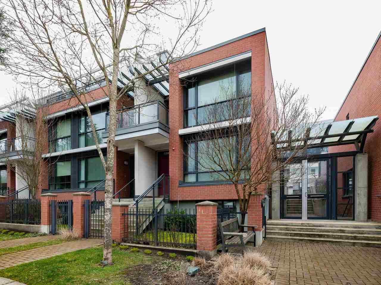 """Main Photo: 6358 ASH Street in Vancouver: Oakridge VW Townhouse for sale in """"WESTON WALK"""" (Vancouver West)  : MLS®# R2353839"""