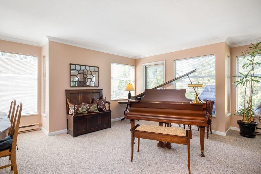 "Photo 8: Photos: 3 2425 EDGEMONT Boulevard in North Vancouver: Mosquito Creek Townhouse for sale in ""Edgemont Ridge Estates"" : MLS®# R2383975"