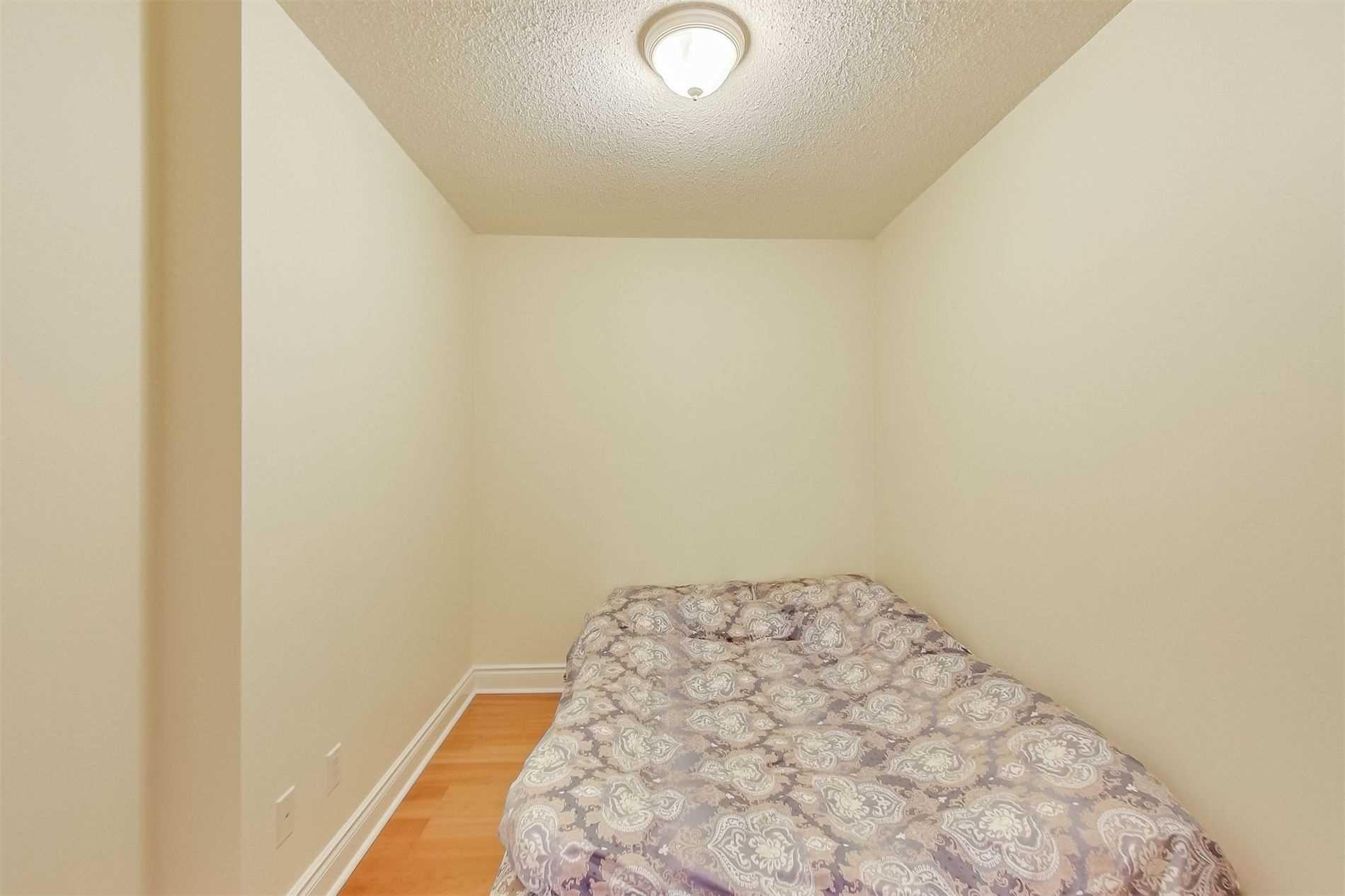 Photo 15: Photos: 1204 10 Northtown Way in Toronto: Willowdale East Condo for sale (Toronto C14)  : MLS®# C4648371