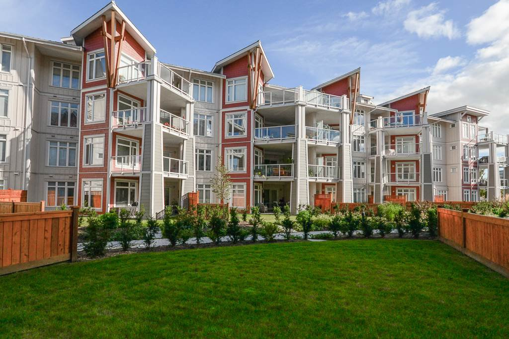 "Main Photo: 112 4211 BAYVIEW Street in Richmond: Steveston South Condo for sale in ""THE VILLAGE"" : MLS®# R2508883"
